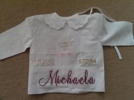 29.12.2013 - krstná košielka pre neterku Michaelu